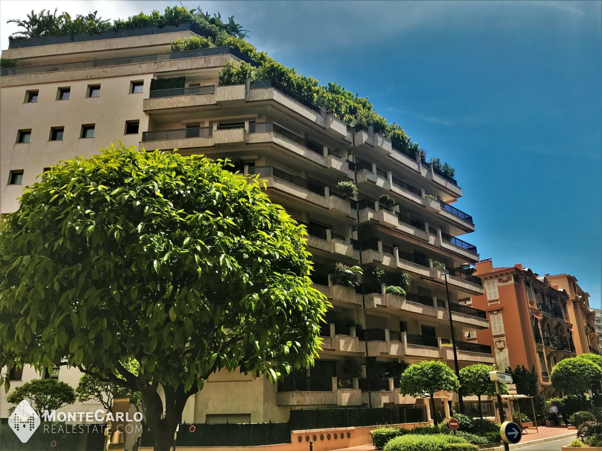 Rental Beverly Palace bloc A - Apartment / Studio : 2 500 € | Monte-Carlo Real Estate [IS-OldsBP]