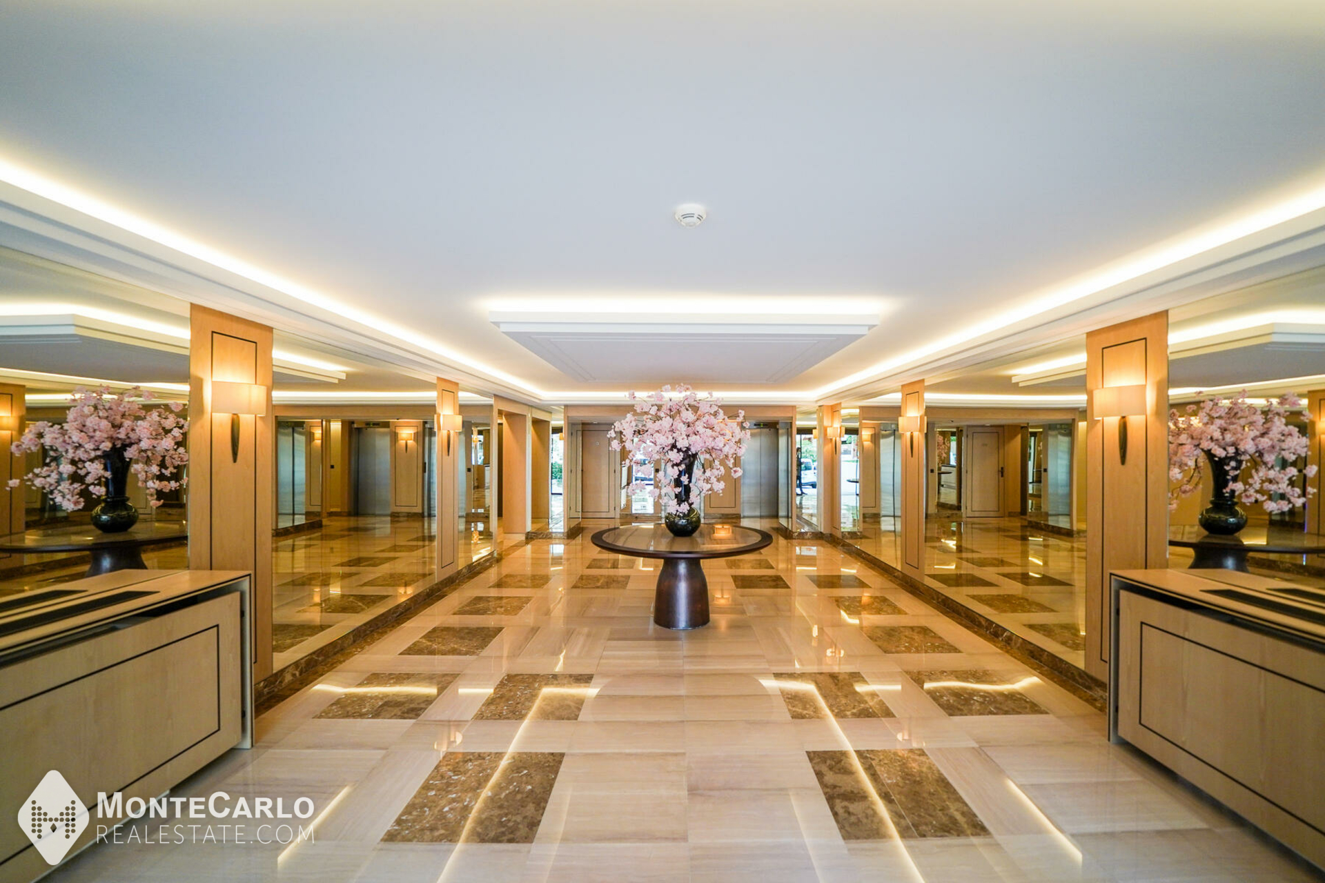 Rental George V - Office / +5 rooms : 37 625 €   Monte-Carlo Real Estate [HP-GV488]